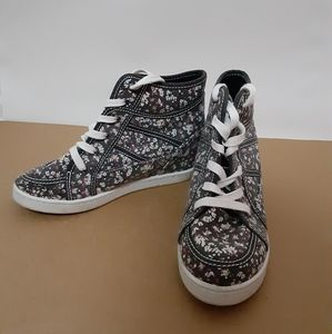 Roxy wedged sneakers